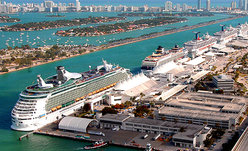 Cruise photos small Port Miami