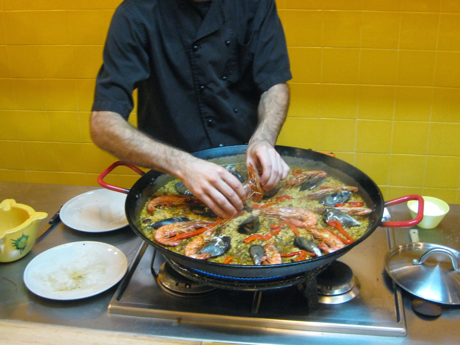 Spain Making Paella